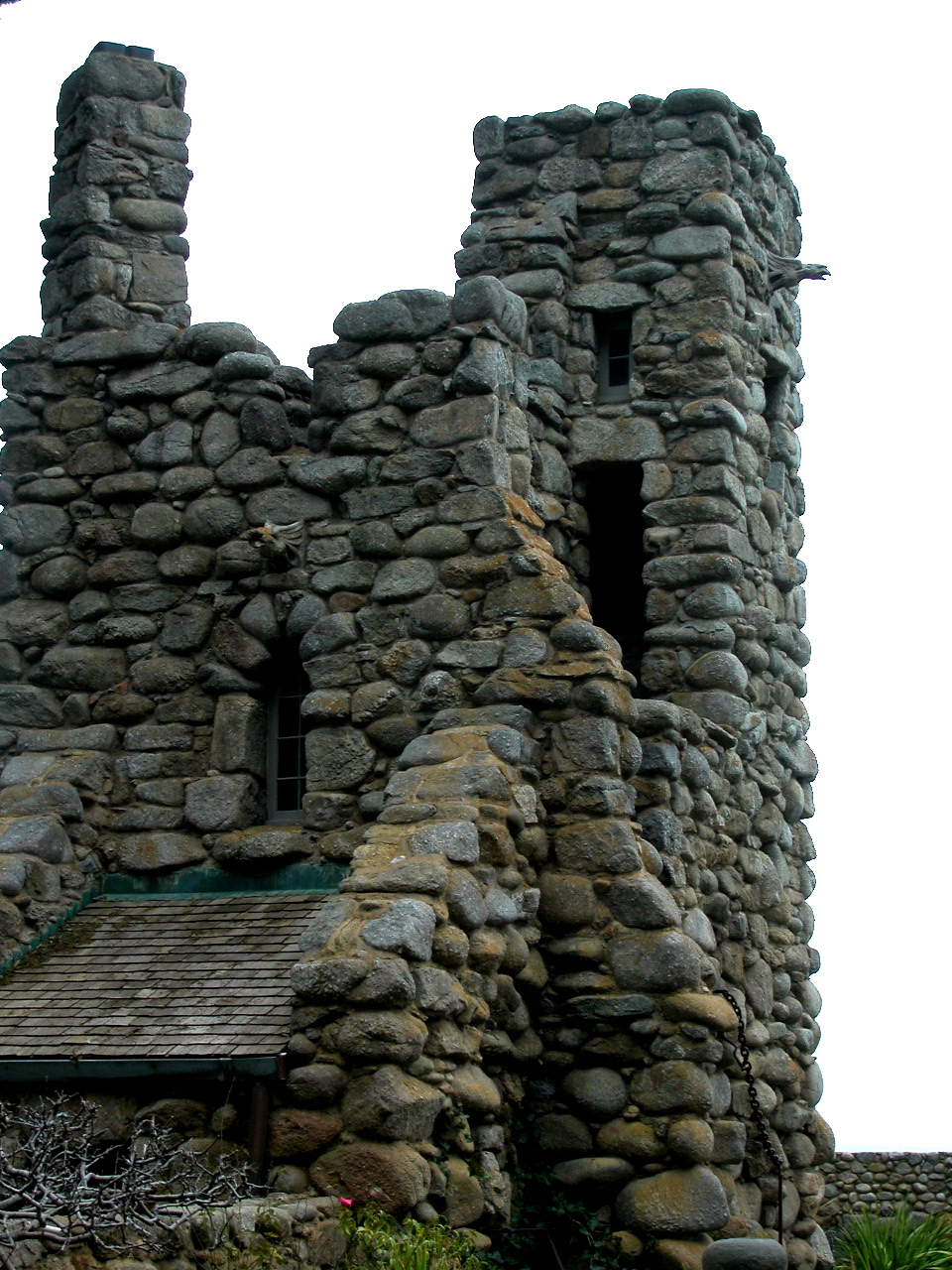 Robinson_Jeffers_Hawk_Tower,_Tor_House,_Carmel,_CA_2008_Photo_by_Celeste_Davison