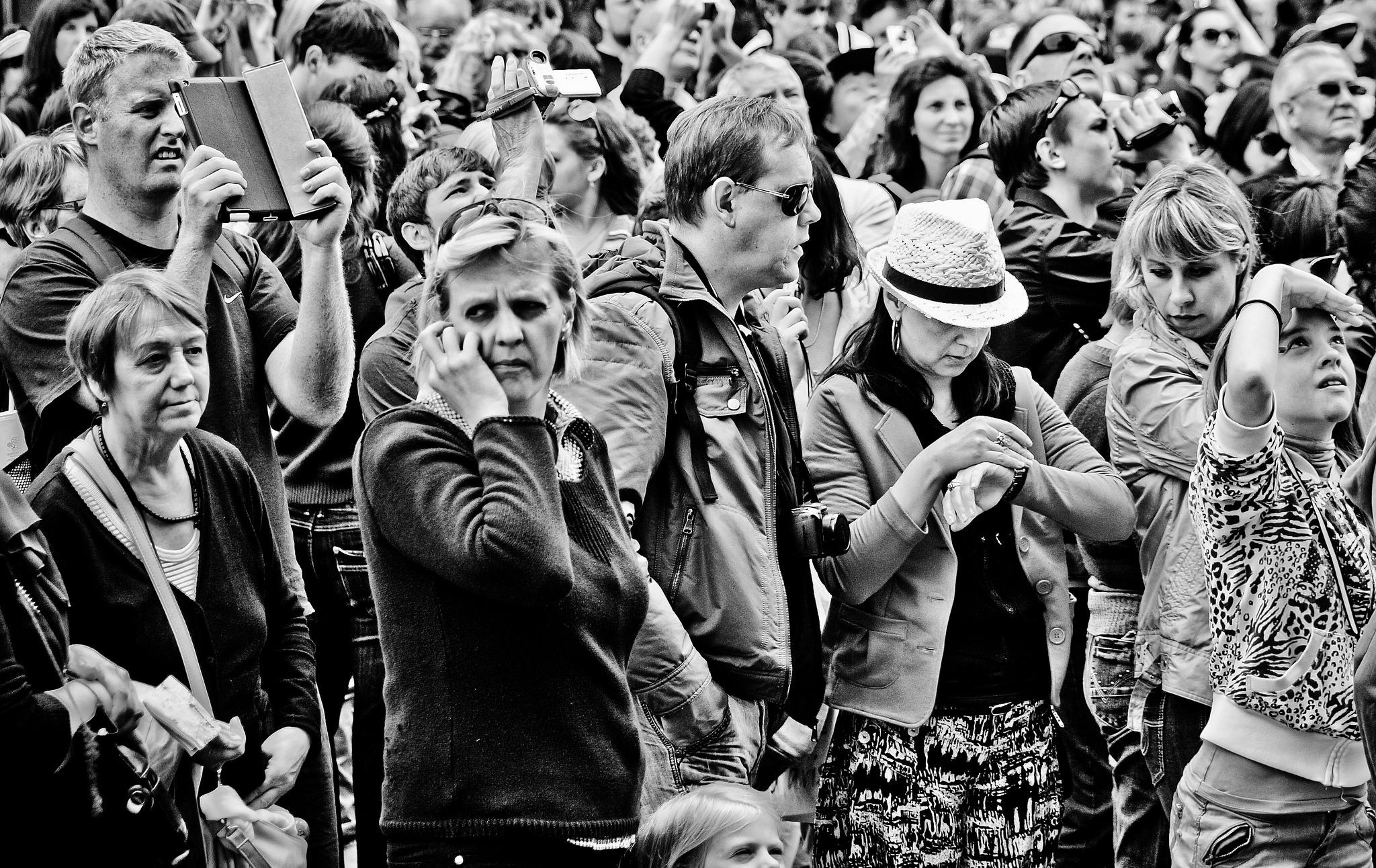 Gary Winfield - Faces in a Crowd III - 13949280859_209a97dd37_k.jpg