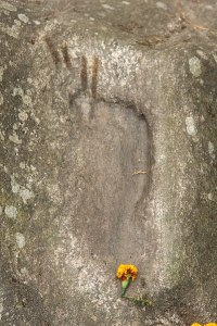 Footprint_of_Lhatsun_Namkha_Jigme-399px
